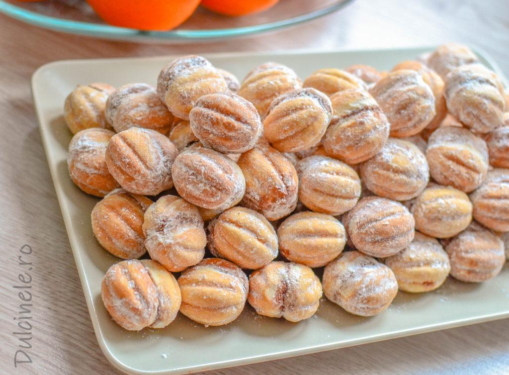 Nuci umplute cu cremă de cacao (rețeta copilăriei mele)