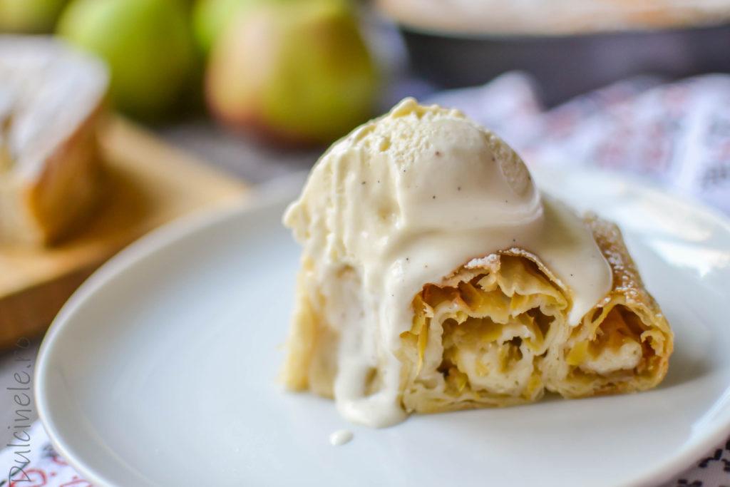 Plăcintă tradițională cu mere