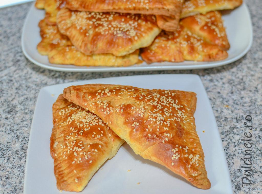 Trigoane din foitaj de casă cu brânză sărată || Dulcinele