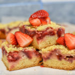 Prăjitură cu căpșuni