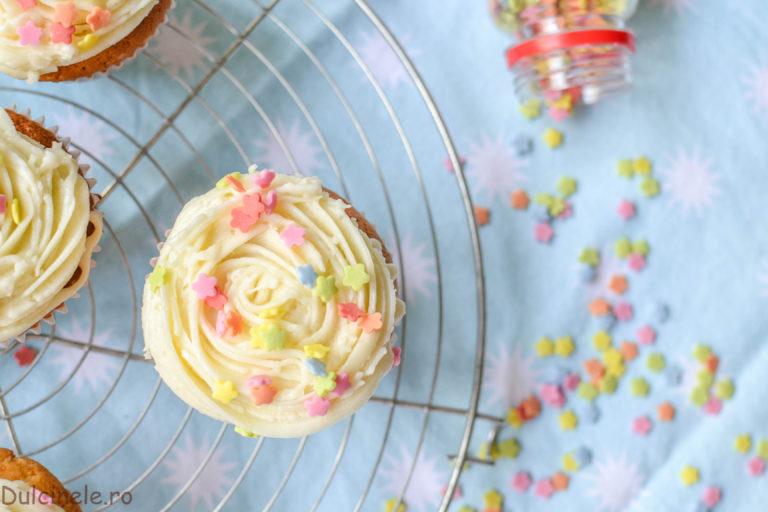 Cremă de vanilie pentru cupcake – rețetă VIDEO