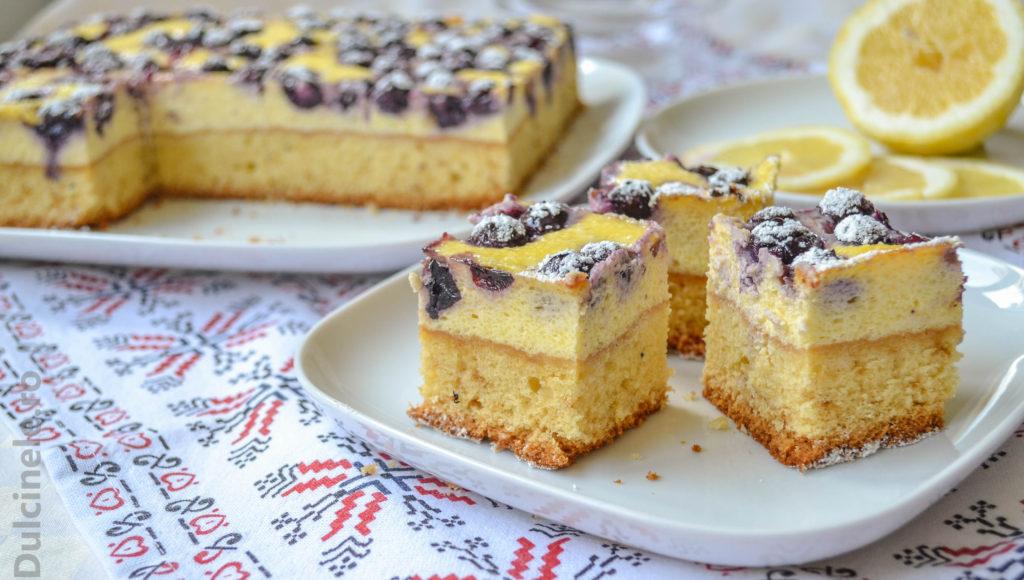 Prăjitură cu brânză și afine
