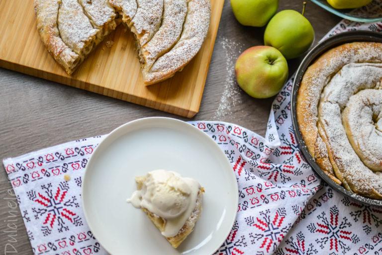 Plăcintă tradițională cu mere – rețetă VIDEO