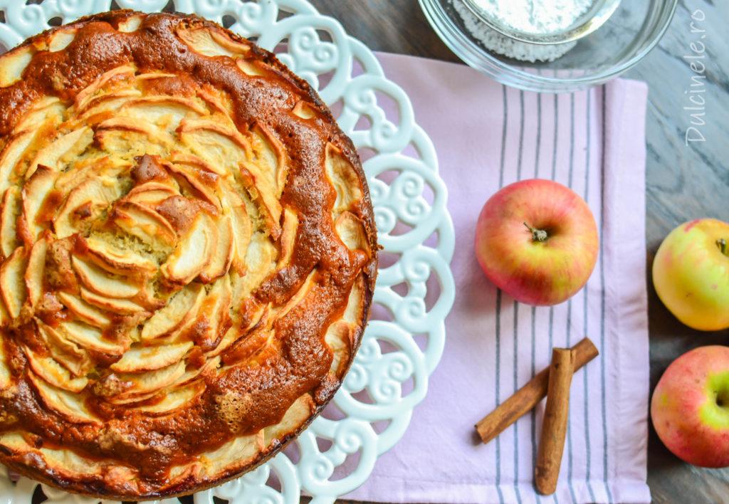 Prăjitură italiană cu mascarpone și mere