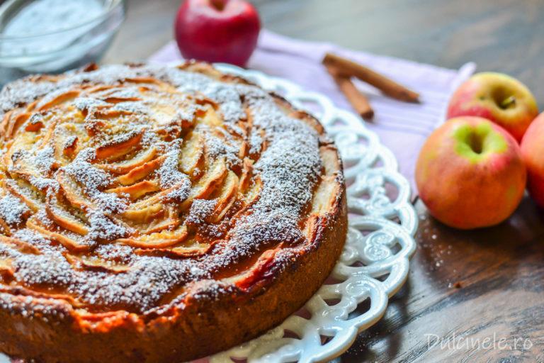 Prăjitură italiană cu mascarpone și mere – rețetă VIDEO