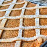 Prăjitură fragedă cu mere rase