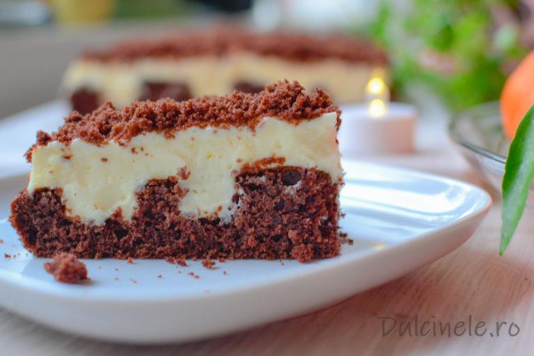 """Prăjitură """"găurită"""" sau """"cu buzunare"""" (POKE CAKE) – rețetă VIDEO"""