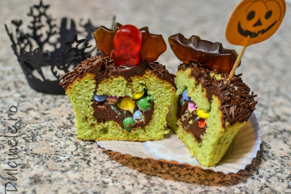 Briose de Halloween (cu mentă si ciocolată) || Dulcinele.ro